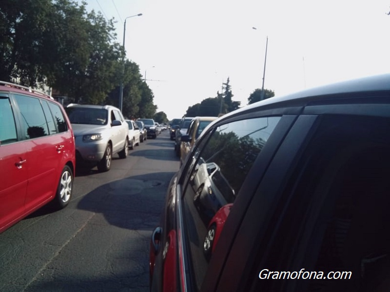 Уикенд туристите се прибират: Тапа на входа на Бургас от Южното Черноморие