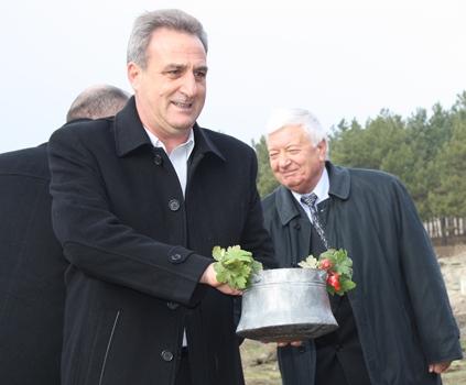 Васил Едрев: Най-спешният проект за годината е изграждането на зони за отдих в парк Славеева река