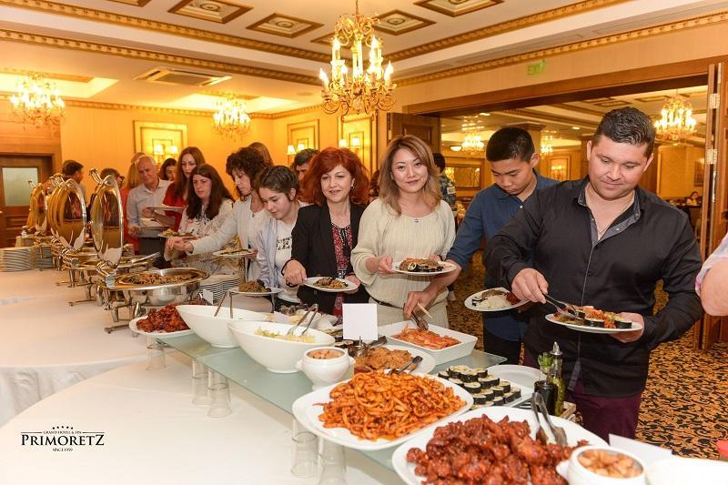 Впечатляващи концерт, вечеря и изложби събраха стотици бургазлии на Деня на Южна Корея