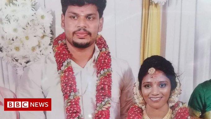 Мъж уби жена си като пусна кобра в леглото й