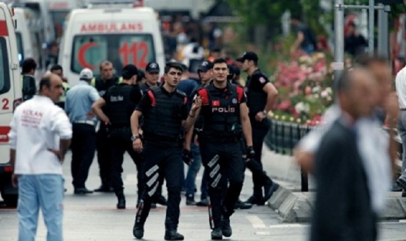 Девет ранени при експлозия в Турция