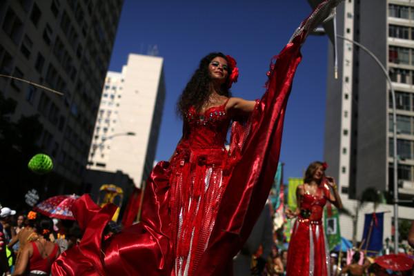 Карнавалът Рио де Жанейро започва, чакат 1 милиона посетители