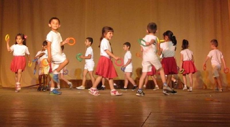 С концерт Камено отбеляза Деня на детето