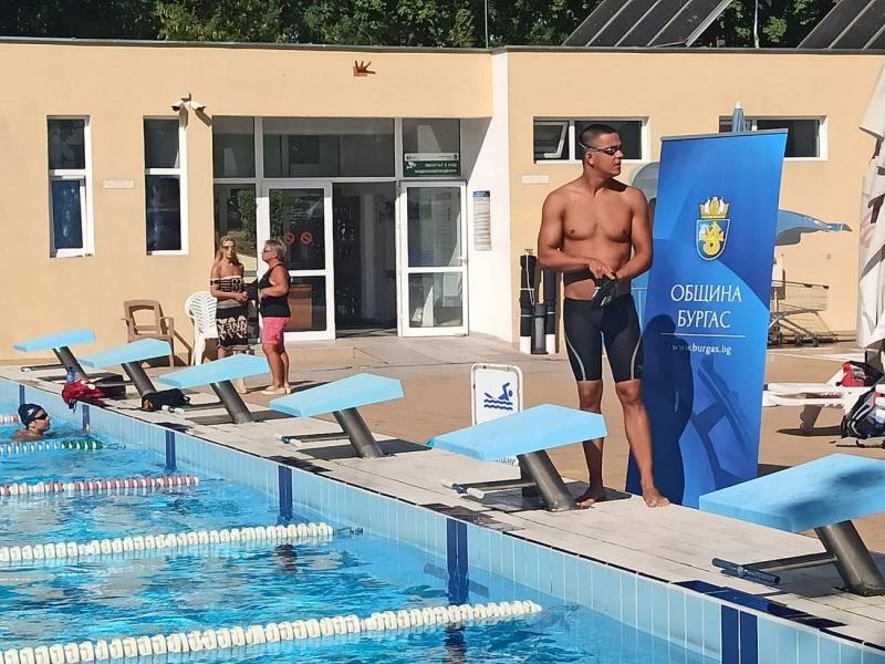 Бургаският плувец Цанко Цанков започна опита си за световен рекорд