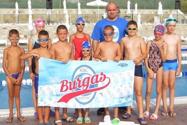 """Плувците на """"Бургас"""" донесоха 13 медала от Асеновград"""