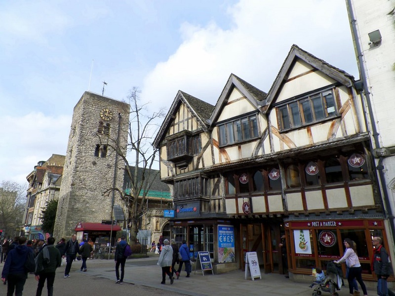 Най-старата сграда Saxon Towel