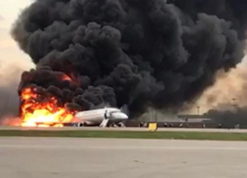 Трагедия в Москва, 41 души загинаха при авиокатастрофа