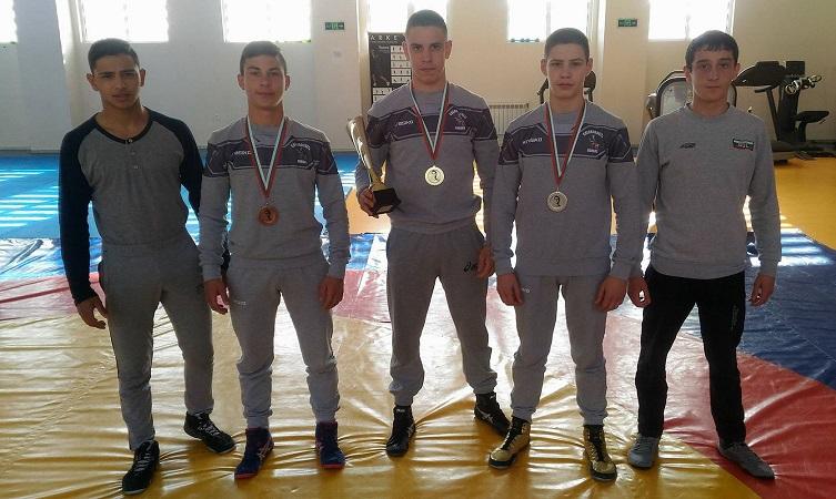 Три медала и купа за борците на Черноморец от международен турнир