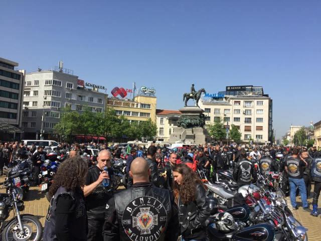 Хиляди мотористи пред НС: Бързо можем да се върнем