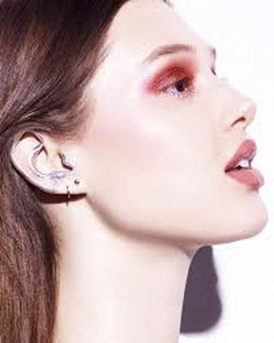 Гримът за уши- последен писък на модата