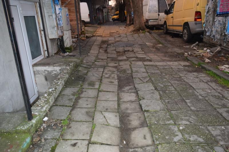 """ВиК разкопава част от ул. """"Климент Охридски"""""""