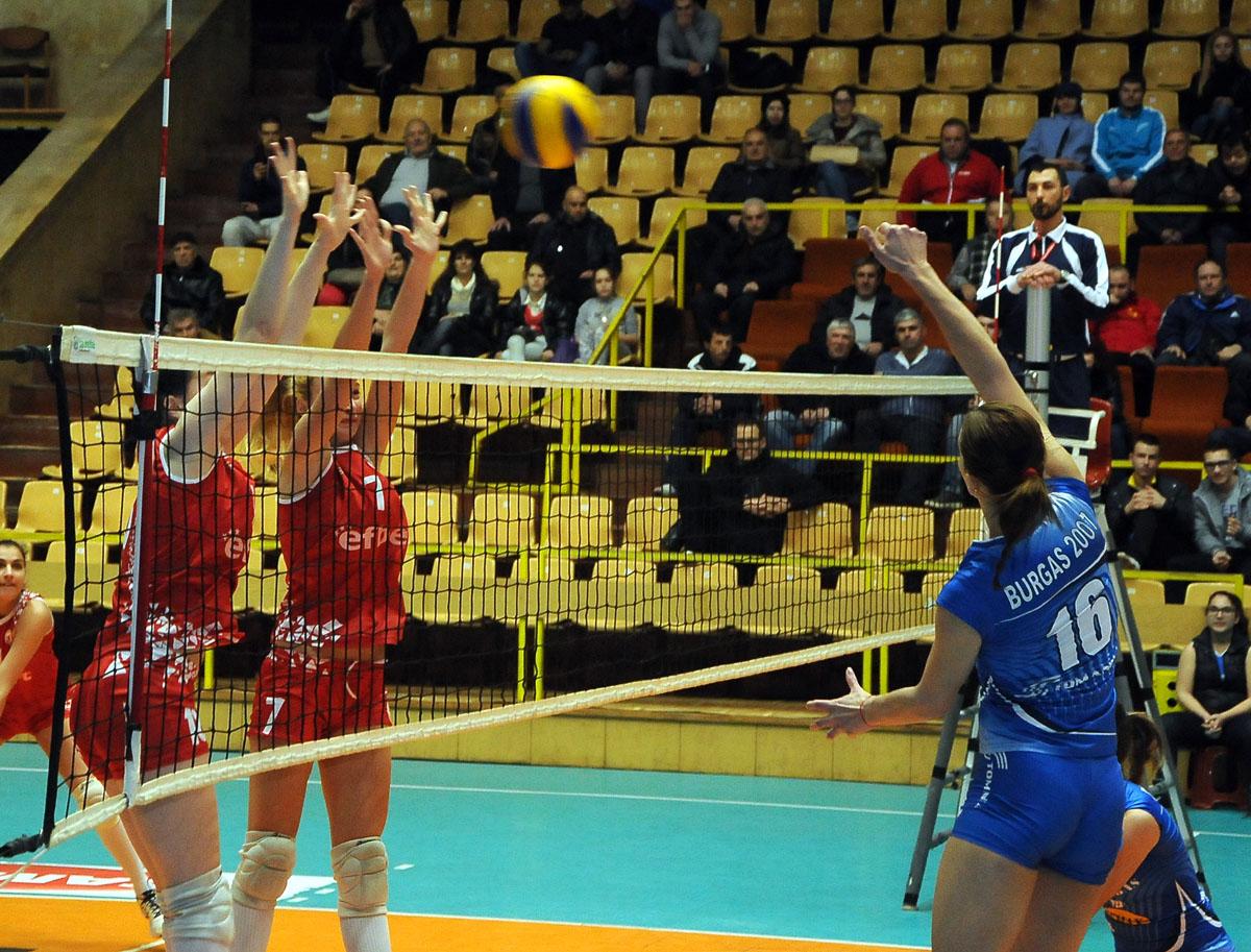 Бургаският волейболен тим поведе, но отстъпи на ЦСКА