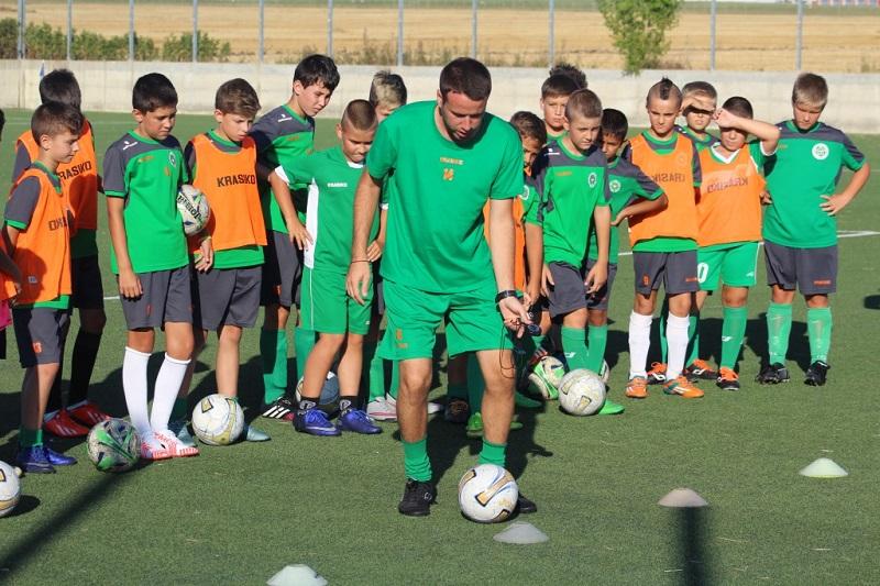Два отбора от ДЮШ на Нефтохимик започнаха подготовка с нови треньори
